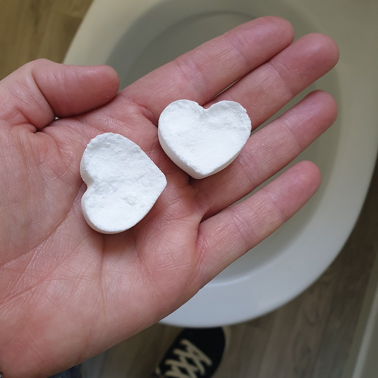 DIY toilet cleaning fizzers recipe